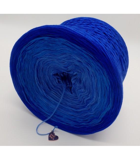gradient yarn 4ply Kornblumen - Enzian outside 2