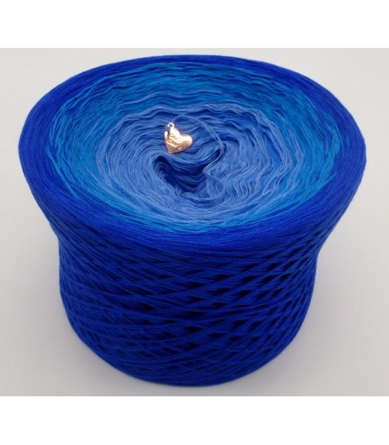 gradient yarn 4ply Kornblumen - Enzian outside 4