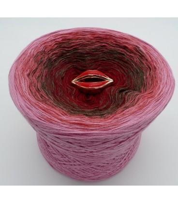 Lovely Kiss - gradient yarn
