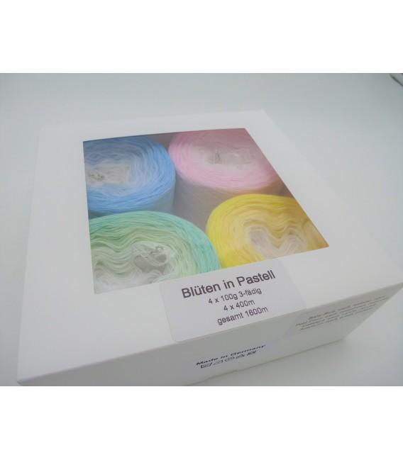Blüten in Pastell - 4 Bobbelinis im Set