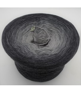 Farben der Schattenwelt (Colors of the shadow world) - 4 ply gradient yarn - image 1