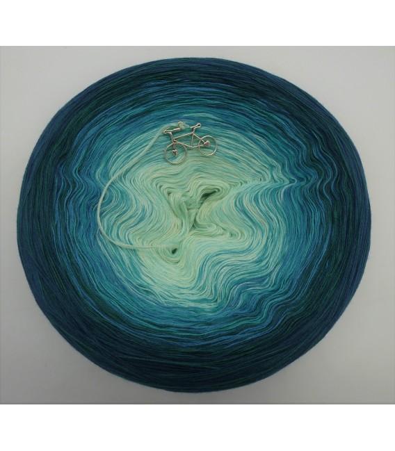 Smaragd küsst Petrol (Emerald kisses petrol) - 4 ply gradient yarn - image 3