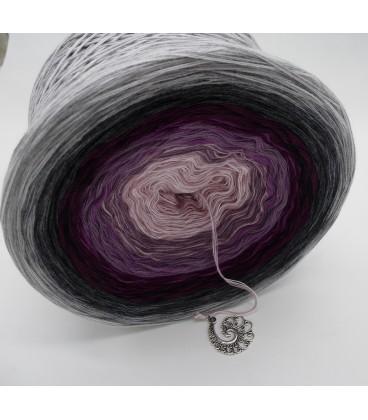 Liebe ist ..... Zärtlichkeit (Love is ..... tenderness) - 4 ply gradient yarn - image 4