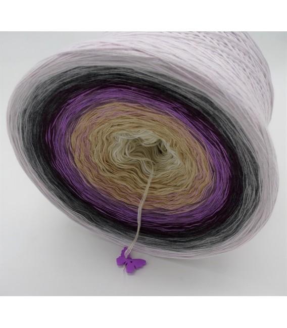 Träumerle (Dreamer) - 4 ply gradient yarn - image 3
