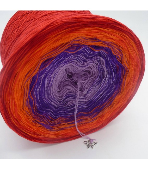 Red Magic - 4 ply gradient yarn - image 2