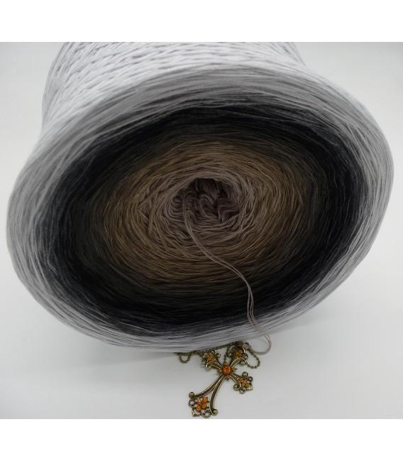 Dunkle Zeit (Dark time) Gigantic Bobbel - 4 ply gradient yarn - image 4