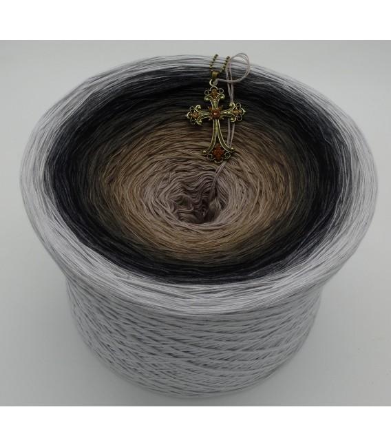 Dunkle Zeit (Dark time) Gigantic Bobbel - 4 ply gradient yarn - image 1