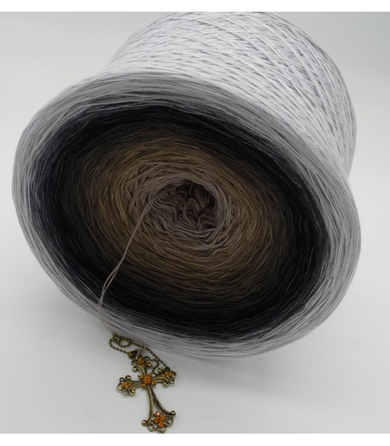 Dunkle Zeit (Dark time) Gigantic Bobbel - 4 ply gradient yarn - image 5