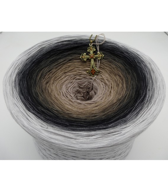 Dunkle Zeit (Dark time) Gigantic Bobbel - 4 ply gradient yarn - image 2