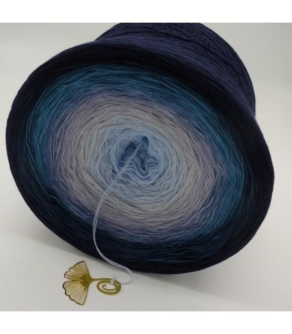 Blaue Galaxie (Blue galaxy) Gigantic Bobbel - 4 ply gradient yarn - image 6