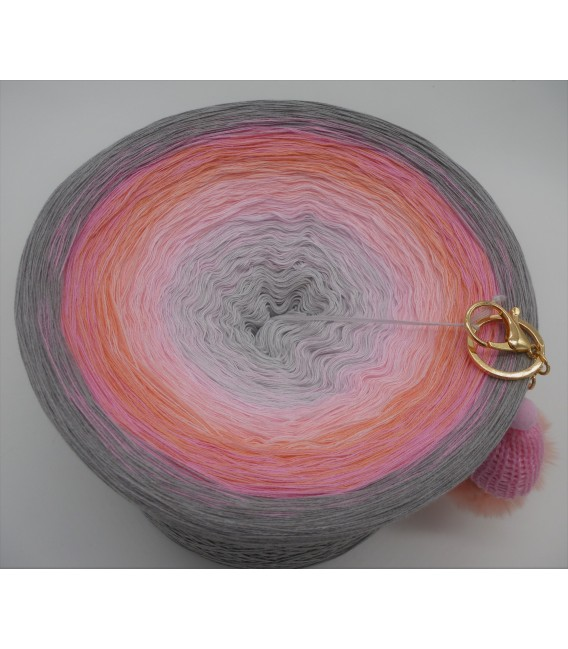 Lakisha Gigantic Bobbel - 4 ply gradient yarn - image 3