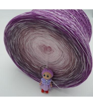 Leiser Wind (Quiet wind) Gigantic Bobbel - 4 ply gradient yarn - image 5
