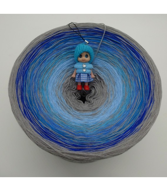 Blue Johnny Blue Gigantic Bobbel - 4 ply gradient yarn - image 2