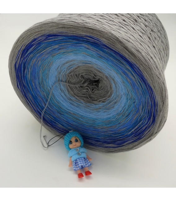 Blue Johnny Blue Gigantic Bobbel - 4 ply gradient yarn - image 3