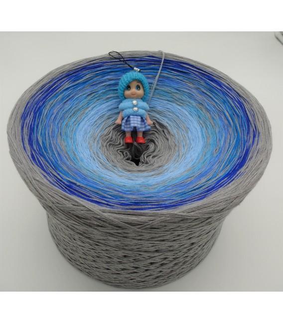 Blue Johnny Blue Gigantic Bobbel - 4 ply gradient yarn - image 1