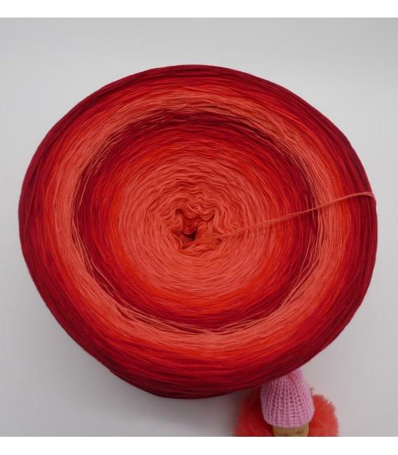 Red Roses (Красные розы) Гигантский Bobbel - 4 нитевидные градиента пряжи - Фото 4
