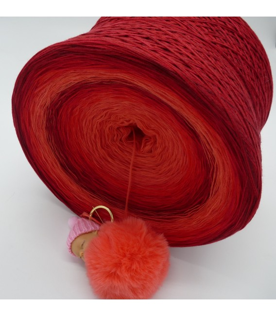 Red Roses Gigantic Bobbel - 4 ply gradient yarn - image 5