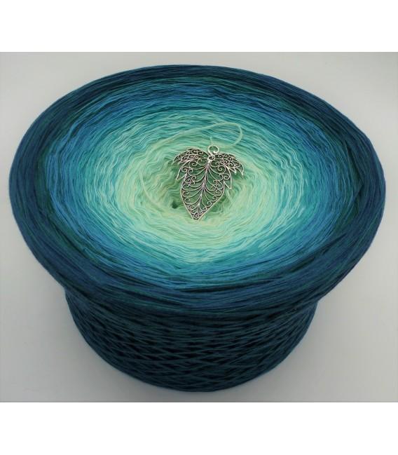 Smaragd küsst Petrol (Emerald kisses petrol) Gigantic Bobbel - 4 ply gradient yarn - image 1