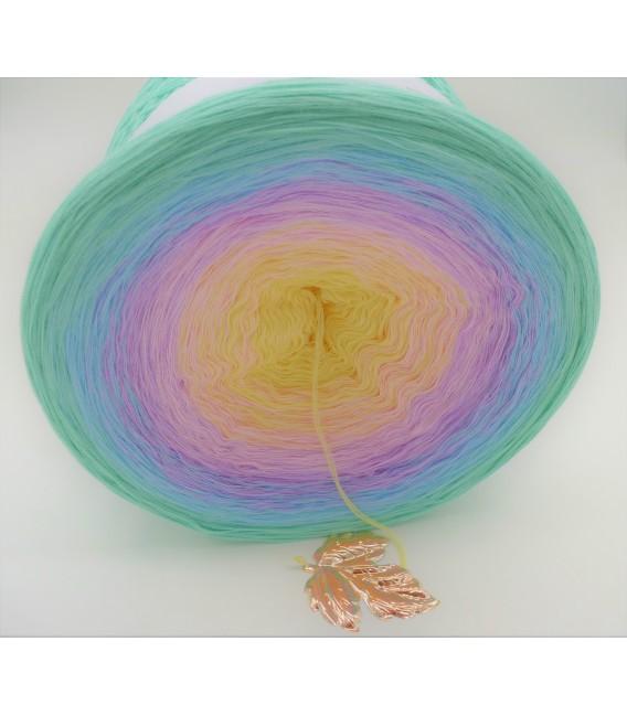 Regenbogen (Rainbow) Gigantic Bobbel - 4 ply gradient yarn - image 3