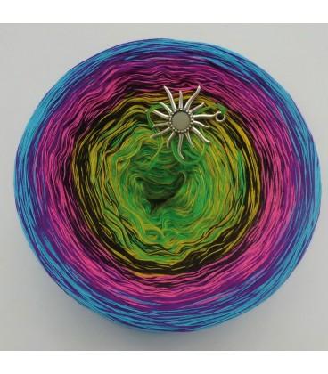 Sommerbunt mit Schwarz (Summer colorful with black) - 4 ply gradient yarn - image 3