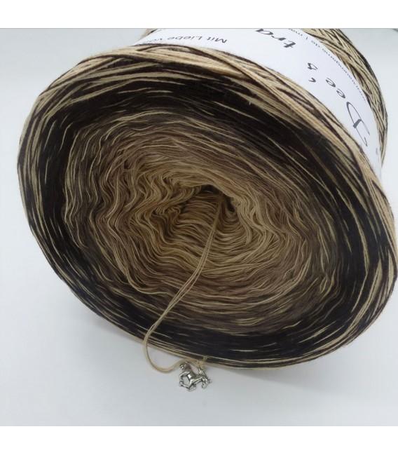 Edelchen in Beige (Precious in beige) - 4 ply gradient yarn - image 3