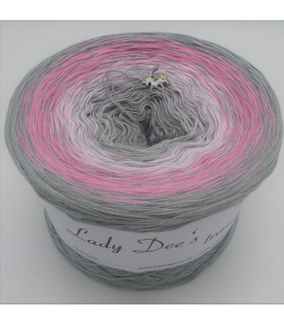 Edelchen in Rose (Precious in rose) - 4 ply gradient yarn - image 1