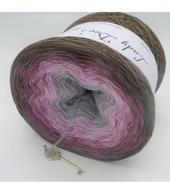 August Bobbel 2018 - 4 ply gradient yarn - image 2