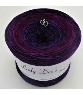 Edelchen der Nacht - 4 ply gradient yarn image