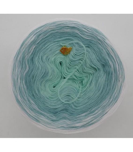 Sanfter Frühlingswind (Gentle spring wind) - 3 ply gradient yarn - image 3