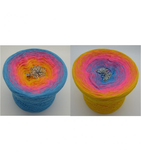 Blümchen (little flowers) - 4 ply gradient yarn - image 1
