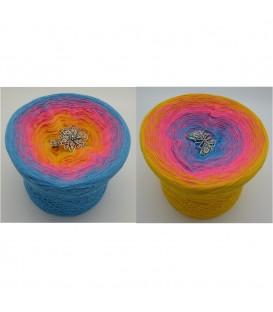 Blümchen (little flowers) - 4 ply gradient yarn - image 1