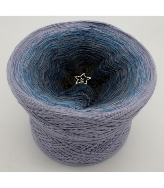 gradient yarn 4ply Flug zu den Sternen - anthracite outside