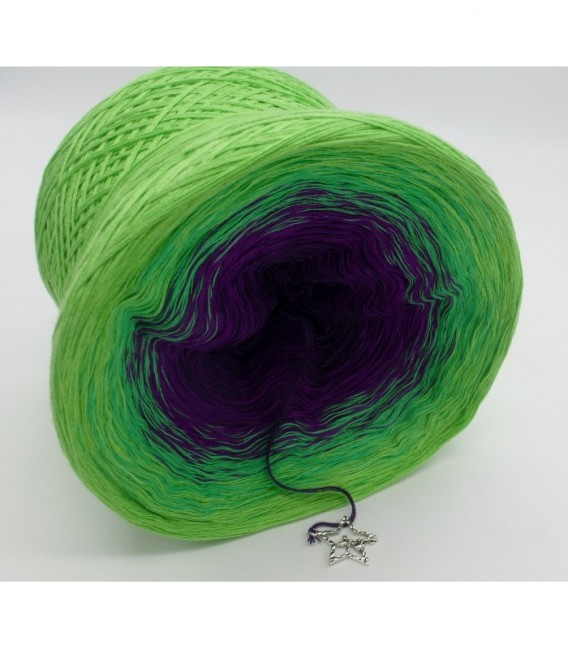 gradient yarn 4ply Poison - purple outside