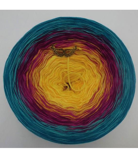 Atoll - 4 ply gradient yarn - image 3