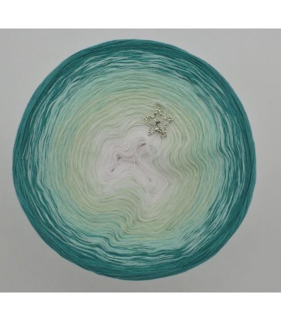 gradient yarn 4ply Memories - White outside