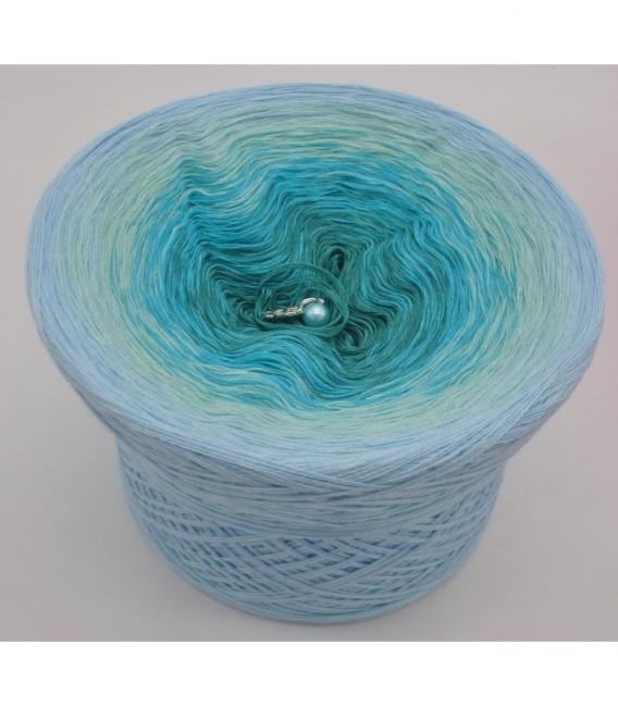 gradient yarn 4-ply Wind und Meer - ocean green outside