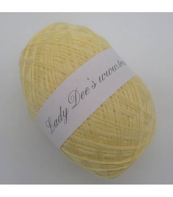 Lace Yarn - 005 Vanilla - image