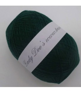 Lace yarn - 011 fir green - Photo