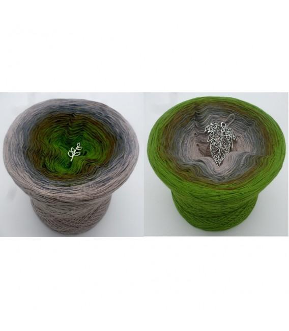Barfuß im Moos (Barefoot in moss) - 4 ply gradient yarn - image 1