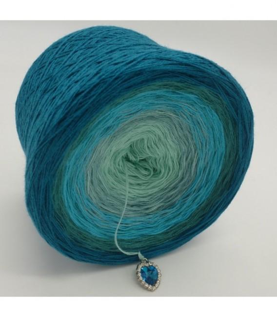 Mauritius - 2 ply gradient yarn image 9