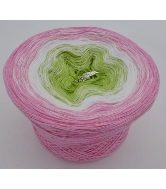 Zarte Blüten - Farbverlaufsgarn 3-fädig - Bild 6