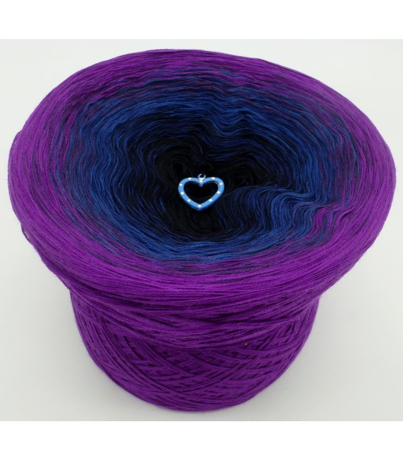gradient yarn 4ply Amazing - Bishop outside