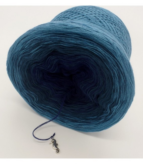 Ozean der Träume - 3 ply gradient yarn image 9