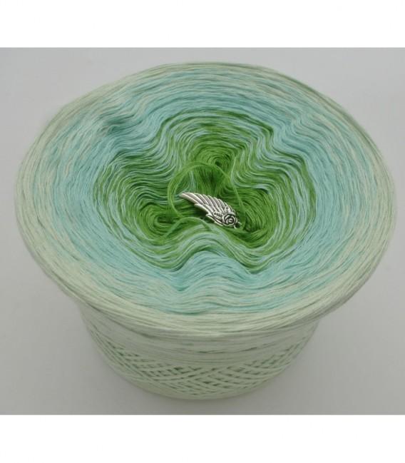 Zarte Frühlingsknospen - 3 ply gradient yarn image 6