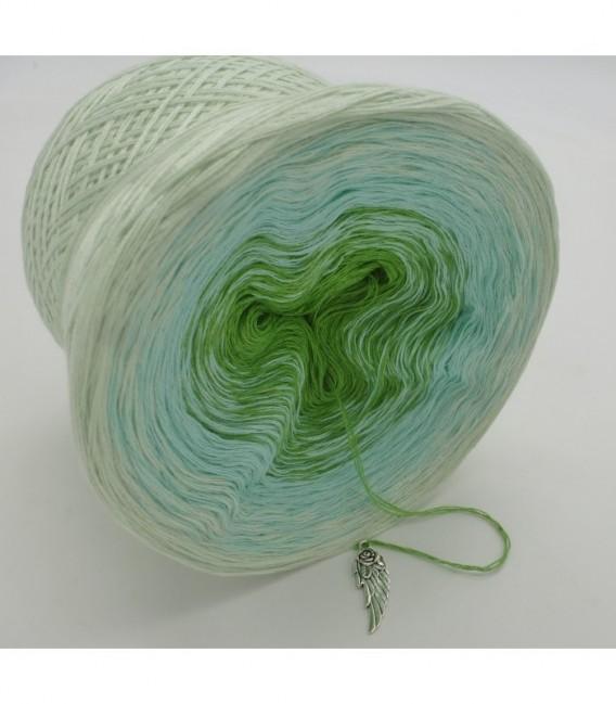 Zarte Frühlingsknospen - 3 ply gradient yarn image 8