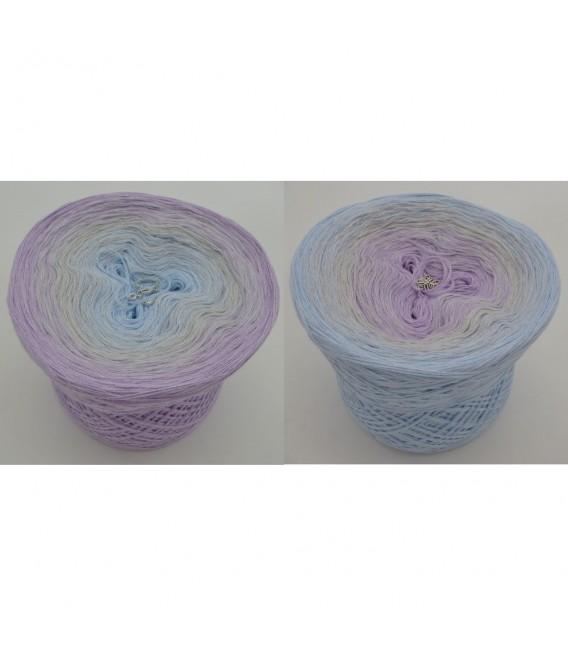 Zartes Glück - 3 ply gradient yarn image 1