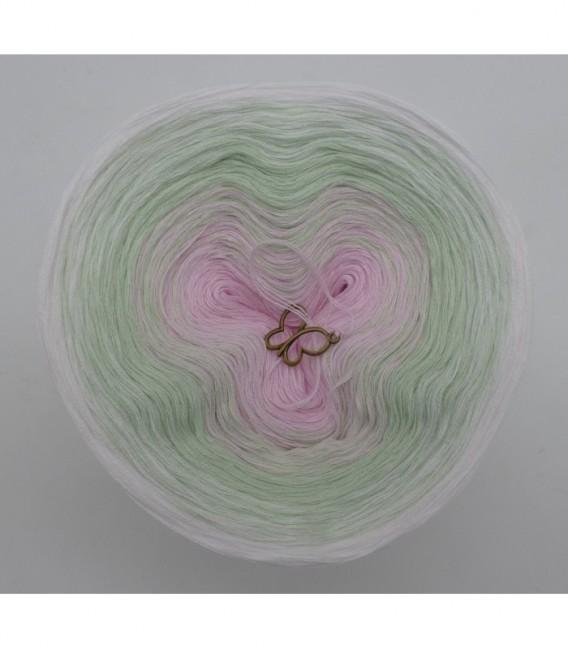 Zarte Lilienknospe - 3 ply gradient yarn image 7
