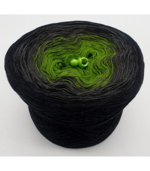 Geheimnisvolle Gedanken - 3 ply gradient yarn image 6
