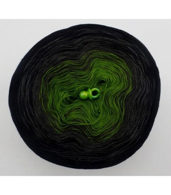 Geheimnisvolle Gedanken - 3 ply gradient yarn image 7