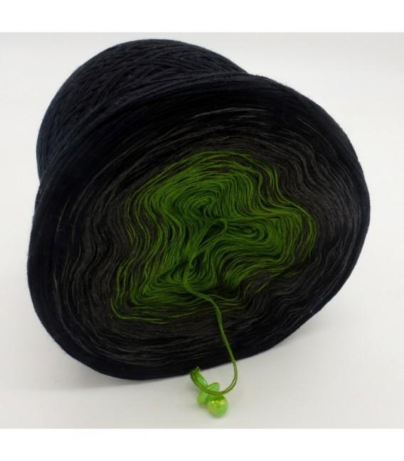 Geheimnisvolle Gedanken - 3 ply gradient yarn image 8
